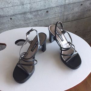 Nine West black modern strappy dress sandals.8M.
